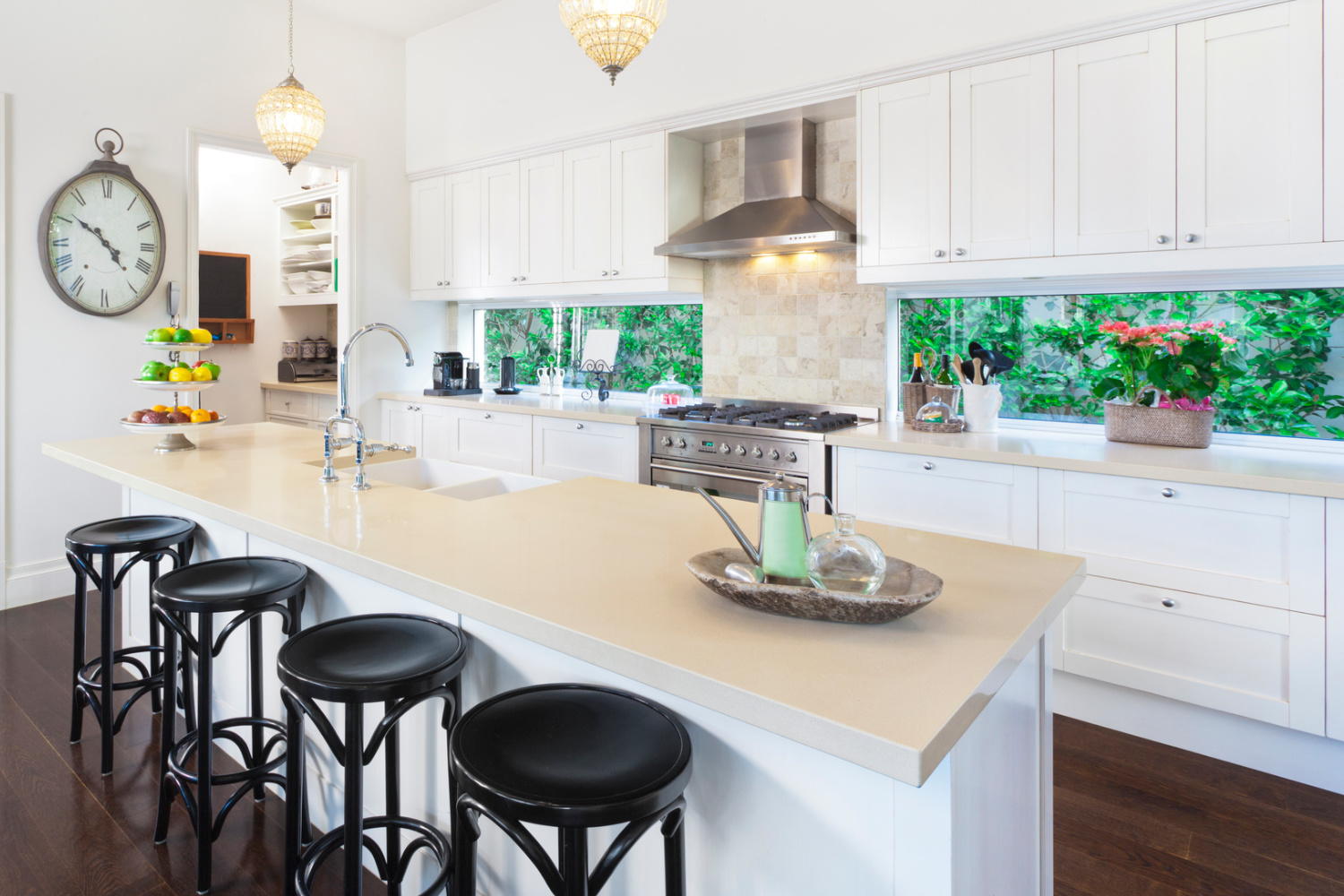 neat kitchen. How to keep kitchen counters clutter-free