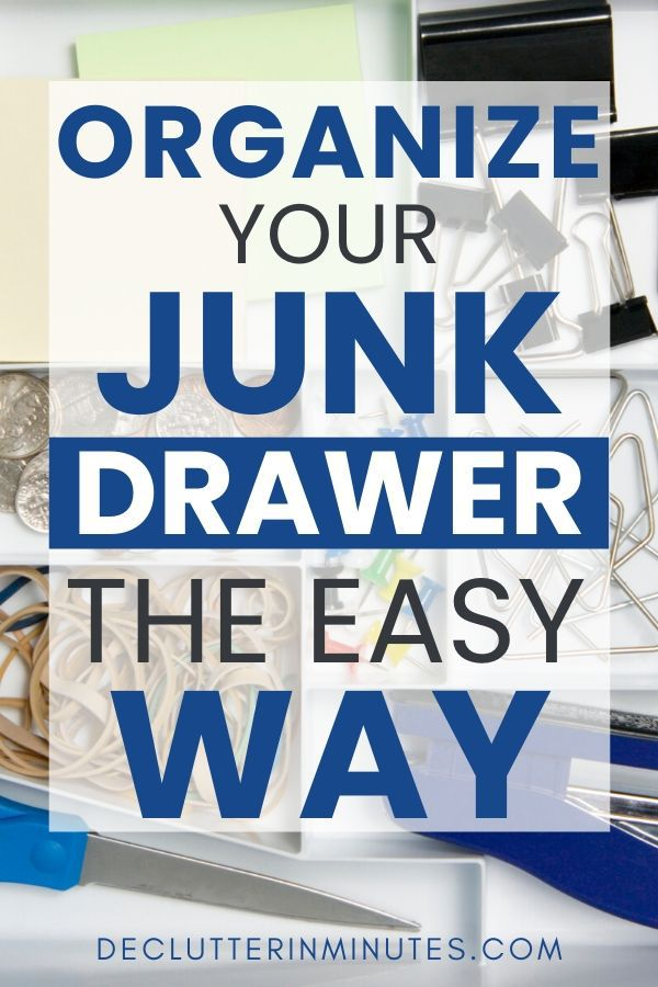 Organize your drawers and remove the clutter te easy way. Declutter junk drawers and organize your drawers. Learn how to clean out your junk drawer and set up a clutter-free system for your home. Organizing tips for an organized junk drawer and how to DIY organize. #junkdrawer #organizedjunkdrawer #clutterfree #declutterinminutes