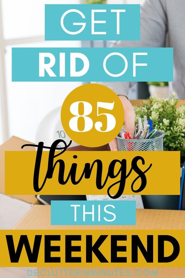 85 things to get rid of right now. Declutter your home without freaking out. How to declutter without overwhelm. Remove the clutter without stressing out. Wish there was a checklist you could just follow? A list that took you room by room and showed you simple things you can declutter without freaking out? Well, that is exactly what I have for you! Your free decluttering checklist that will help you with things to declutter your home fast. Remove the clutter so you can organize your room and home without overwhelm. Get started decluttering today. #clutter #declutterchecklist #declutterinminutes