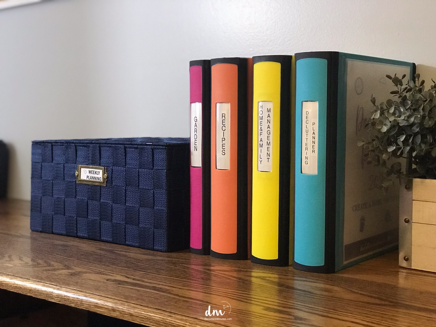 Binders for weekly planning and organized recipes, ideas for organizing recipes