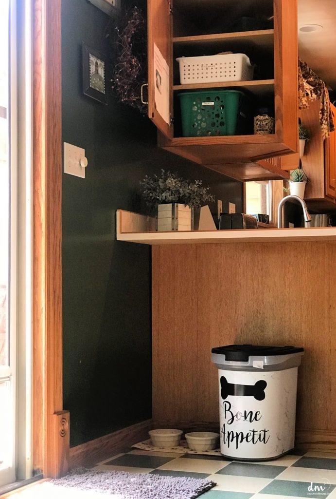 A pet hub of organize pet supplies